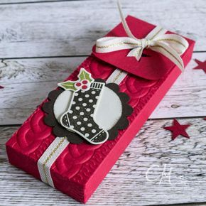 Hallo Ihr Lieben! Heute darf ich, die Caro , ein Türchen in unseremtollen Adventskalender öffnen und euch ein weihnachtliches Projekt ...