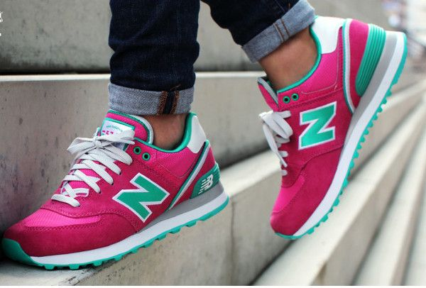 Uyeahh, these pink-turquoise, please! But i think turqo-pink will make the best combi! uhuk