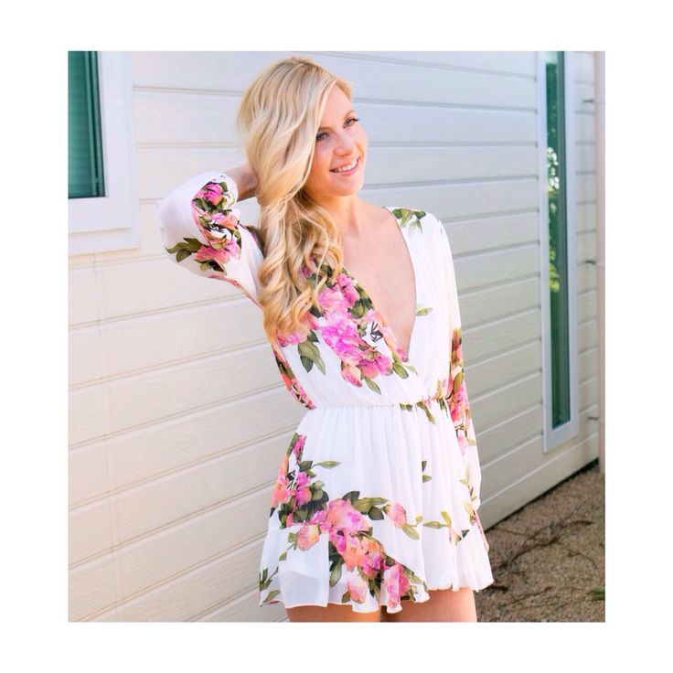"De Sakura playsuit is nu ein-de-lijk online ! Shop je musthave op www.trixlamix.com!   New arrival online ! Shop the ""Sakura playsuit"" at www.trixlamix.com!     #trixlamix #love #playsuit #sakura #cherryblossom #flowers #floral #zomer #summer #cute  #white #girl #girls #fashion #style #stylish #musthave #dutch #lente #spring #wow #ootd #ootn #zaterdag #happy #new #festival #kleding #clothes"