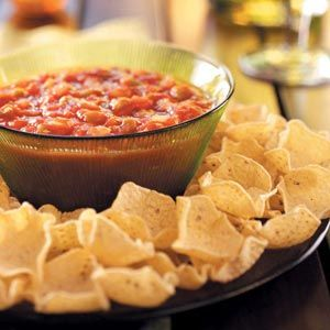 Chunky Tomato Salsa ~ Whether the recipe calls for garden tomatoes, other fresh veggies, or even fruit, salsa recipes like this Chunky Tomato Salsa are perfect for summer parties.