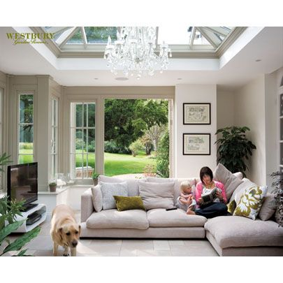 Lantern roof with chandelier