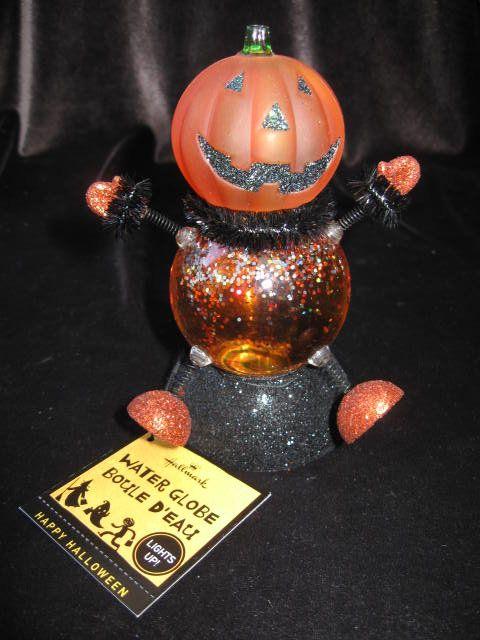 Hallmark Halloween Lighted Jack O Lantern Water Globe Waterglobe