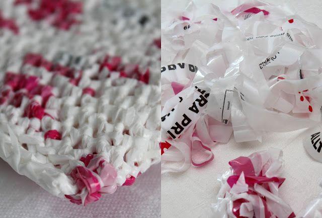 mest virkat: Nytt jobb - ny sminkväska! Virkad av plastpåsar från Hemköp..