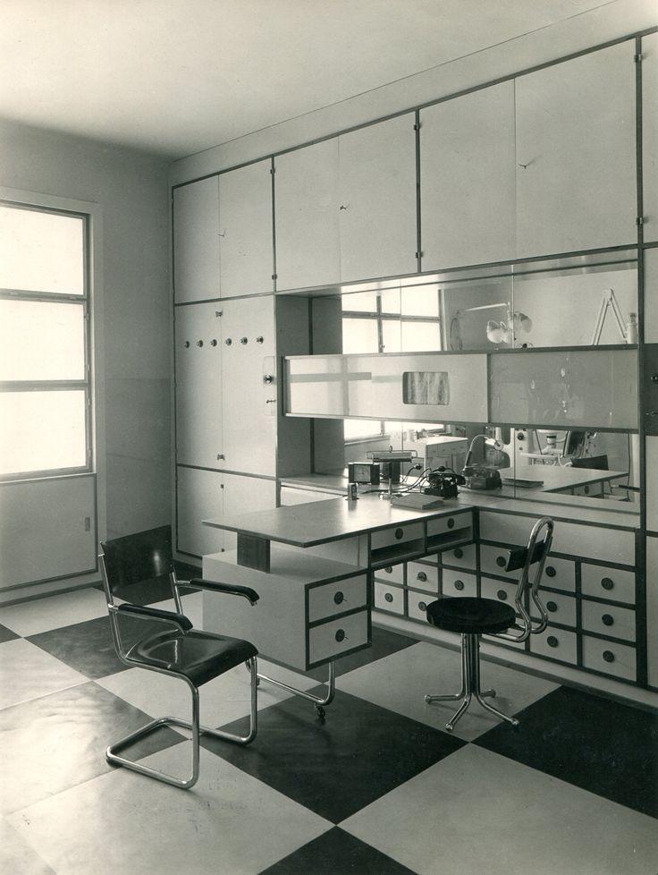 Franz Zajicek, interior design for a dentist's office, 1935. Vienna. Photography by Carl Zapletal. Via Finest Vintage Photography.More: Press article in german: Uni Heidelberg