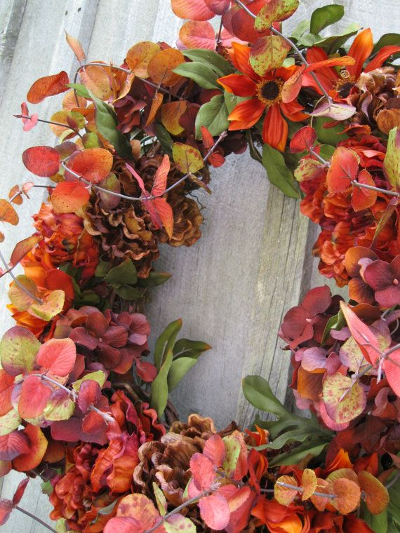 Lovely wreath with gorgeous Autumn colours.