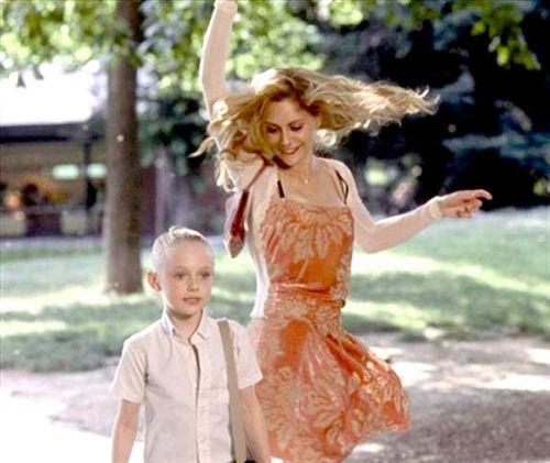 Uptown Girls é um filme americano de 2003 dirigido por Boaz Yakin. Mais conhecido como: Grande Menina Pequena Mulher.
