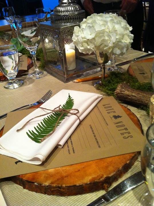 Rustic Table Setting - Cut tree trunk wedges used as plate chargers - Some are available for purchase here - http://www.houzz.com/photos/1842781/Wooden-Bark-Charger-eclectic-charger-plates