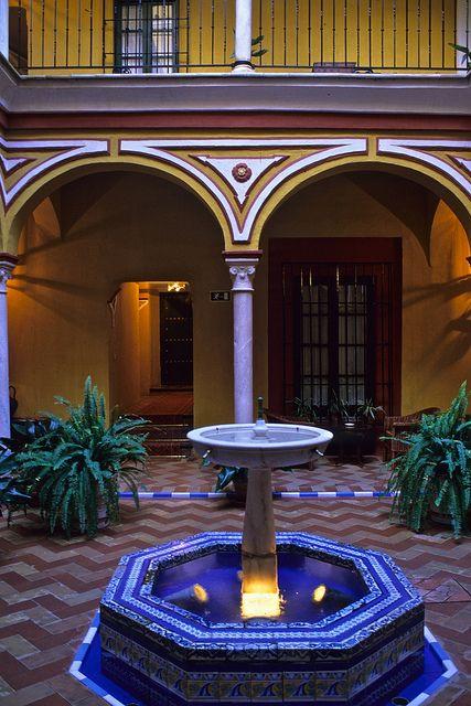 Spain, Seville, Las Casas de la Juderia,