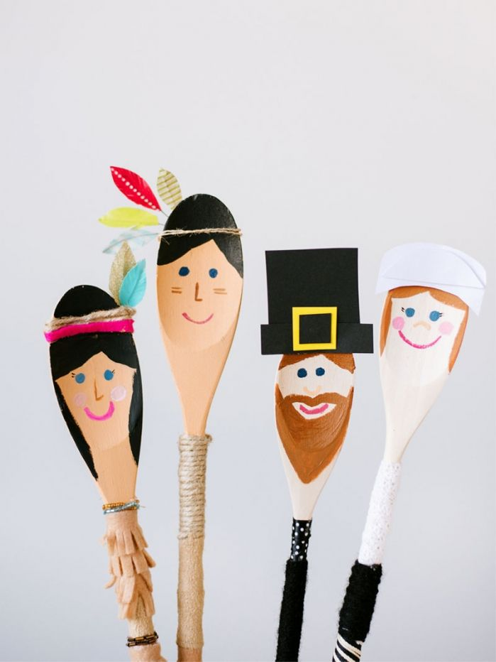 Pilgrims and Indians - a spoon puppet DIY