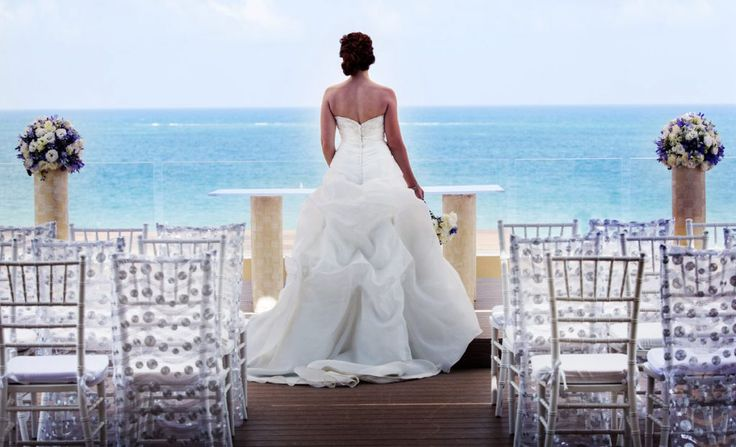 The best wedding views a blushing bride can ask for at this gorgeous sky terrace deck at Royalton Riviera Cancun.