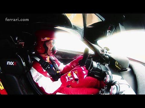 Sebastian Vettel řádil s Ferrari FXX K ve Fioranu.