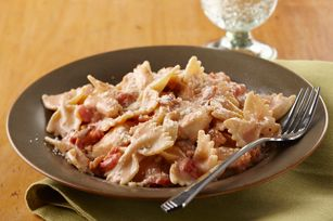 Creamy Chicken, Bacon Tomato ~ This creamy, cheesy chicken breast and pasta dish is even better with tomato and bacon. (Bonus: It only takes 20 minutes to make, start to finish.)