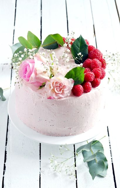 Elodie's Bakery: Rose and raspberry layer cake | Layer cake à la rose et aux framboises