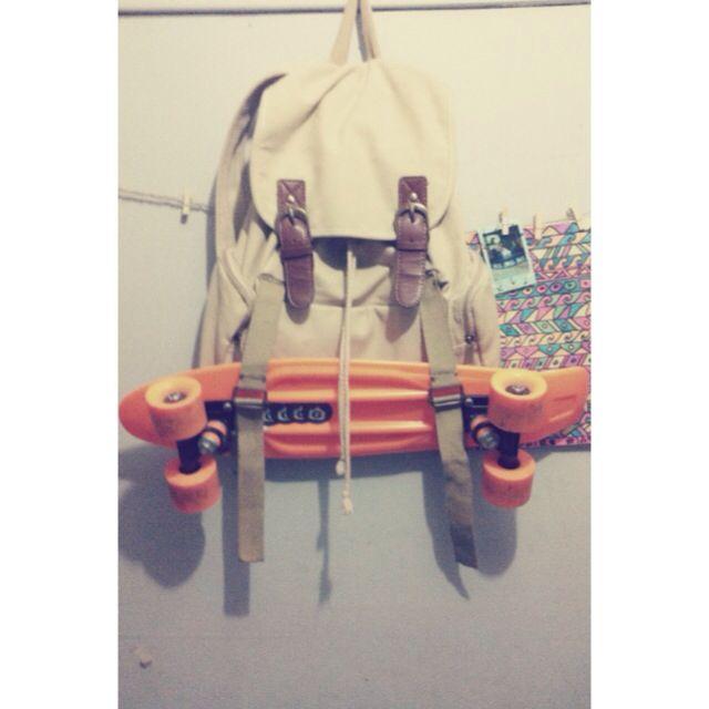 www.cuainejenlIre.tumblr.com DIY skateboard backpack!