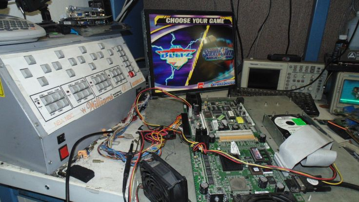 SPORT STATION MIDWAY NBA SHOWTIME GOLD EDITION AND NFL BLITZ 2000 GOLD JAMMA PCB