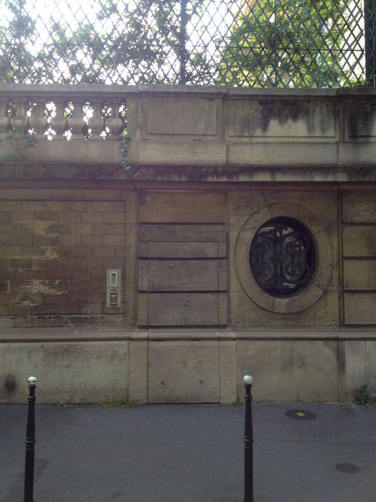 Paris, hidden doors