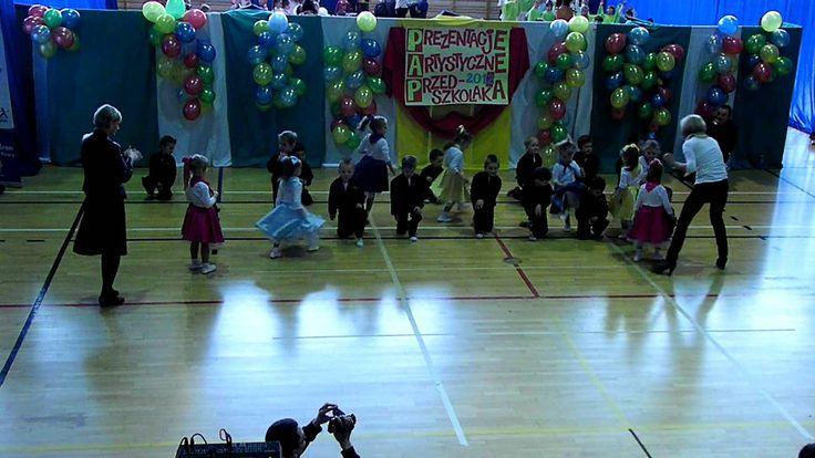 """Taniec do muzyki z filmu """"Grease"""" - tańczą Młodszaki gr.I"""