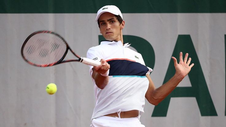Eurosport: Pierre-Hugues Herbert is def. Jared Donaldson, his first victory http://www.eurosport.fr/tennis/roland-garros/2017/pierre-hugues-herbert-s-impose-face-a-jared-donaldson-sa-premiere-victoire-a-roland_sto6188327/story.shtml …