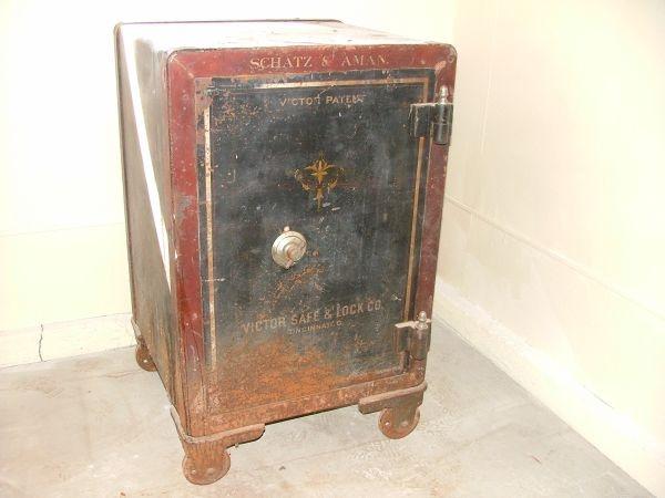 antique floor safe turned side table - Floor Safes