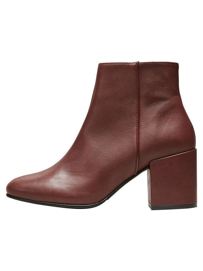 #chocolate #decadent #laarzen #leren #large #hoge