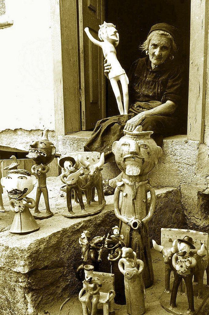 Rosa Ramalho (Cogitação - ☼•cogito ergo sum•☼) Tags: portugal barcelos barro pottery cerâmica olaria arte art artesã céramiques rosaramalho rosabarbosalopes casimirobarbosalopes artenaif surrealismo surrealista surrealism surrealist monocromático