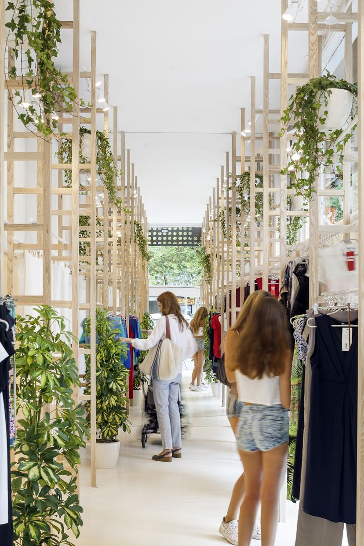 román izquierdo designs minimal, light-filled mit mat mama store in barcelona
