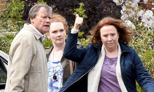Corrie Spiler: Roy Cropper's new companion Cathy Matthews runs away