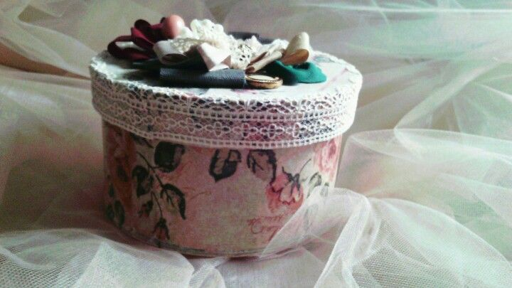 Vintage box decoupage lace fabric