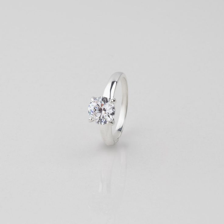 #miglio Solitaire Ring - Classic solitaire ring in Sterling Silver with a Cubic Zirconia RR200