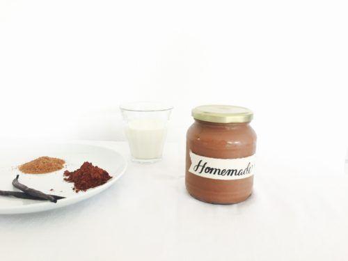 Voor chocoladepasta monsters die van kokos houden ;). Gezonde chocoladepasta met kokosmelk. Zonder palmolie en geraffineerde suiker.