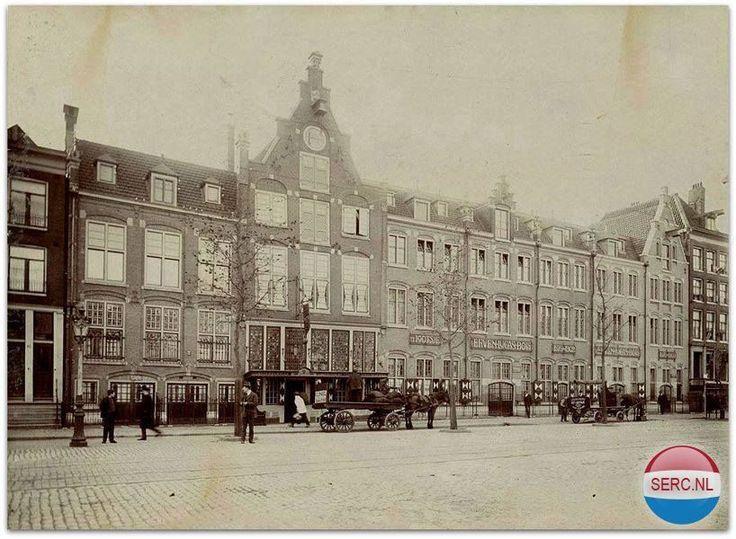 Amsterdam: De Rozengracht bij Lucas Bols omstreeks 1920