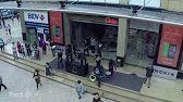 """voXXclub - """"Rock mi"""" Flashmob in den Riem Arcaden in München - YouTube"""