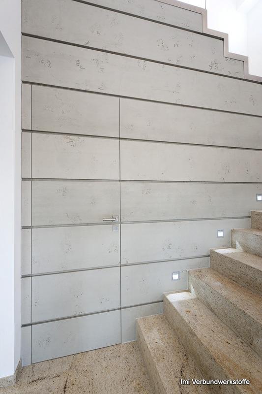 Porte nascoste in una parete che sembra cemento