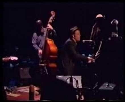 Tom Waits - Ol' 55 - YouTube