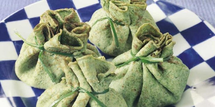 Grønne pannekaker med wokkede grønnsaker -
