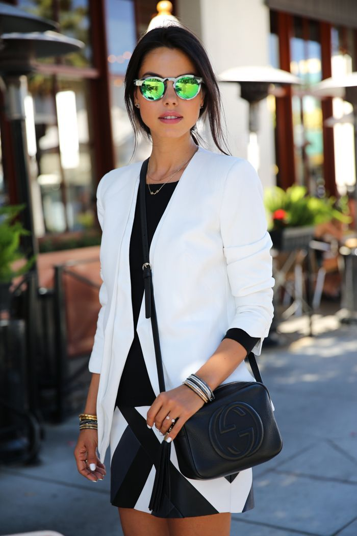 Mirrored sunglasses are having a major moment // #StreetStyle #Fashion