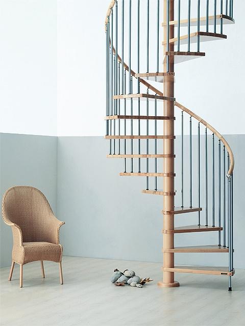 escalera de caracol modelo ghibli de maydisa