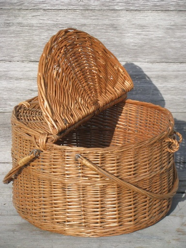 large round wicker market basket, picnic hamper, or sewing tote