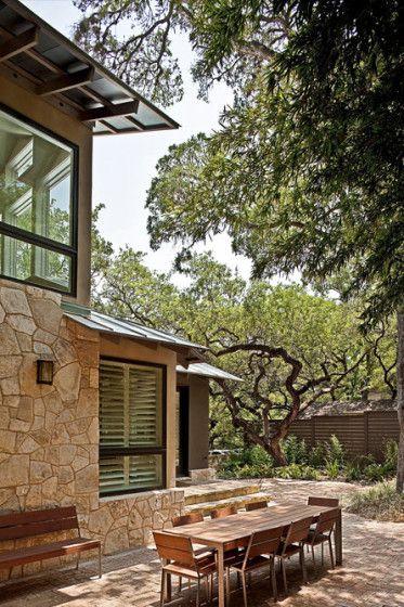 Terraza de casa rústica