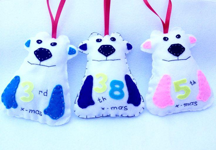 Polar bears by monkeys&friends