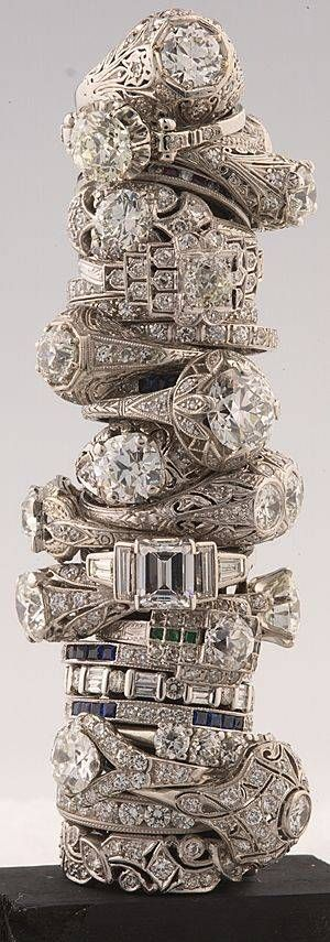 I love the details of vintage rings!!