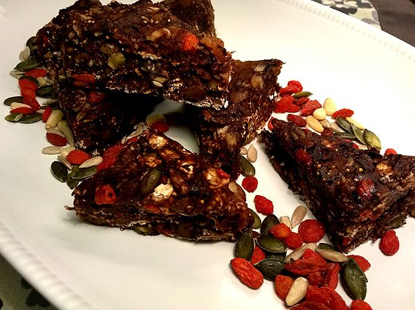 Nyttiga energibars med mörk choklad, nötter, frukt och frön | Kryddburken | Bloglovin'