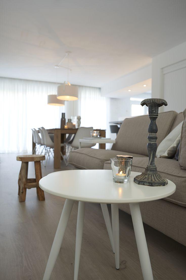 Set van twee. Deze musthave tafeltjes behoren tot de Scandinavische, minimalistische trend! - Goossens wonen & slapen