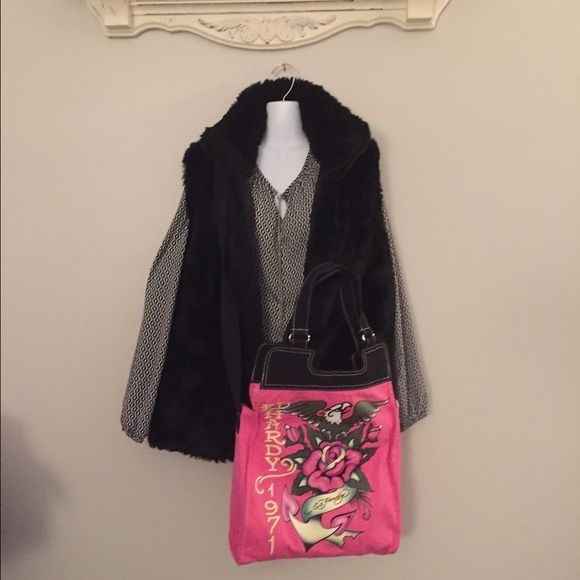 """ED HARDY 1971 TOTE CROSSBODY OR HANDLE Great condition! Pink Graphic Tote 1971 with Black trim. Handle has 8"""" drop. CROSSBODY strap drop is maximum 24"""". Can be adjusted shorter. Measures: 12""""W X 16""""T X 3""""D Ed Hardy Bags Shoulder Bags"""