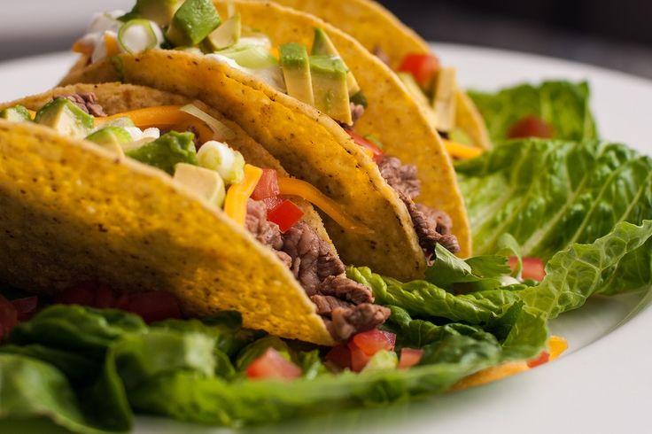We nemen je mee naar Mexico met deze gevulde taco's met lamsgehakt, groenten, avocado en tomatensalsa #mexico #gezond #bio #biologisch #food #thuisbezorgd #maaltijdbox #haarlem