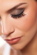 In diesem Beitrag von mir, erkläre ich euch welche Varianten es gibt und wie ihr sie step by step durchführt! http://perfektes-makeup.com/?p=522