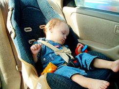 U.S. children at risk from poor adherence to car seat guidelines, study warns