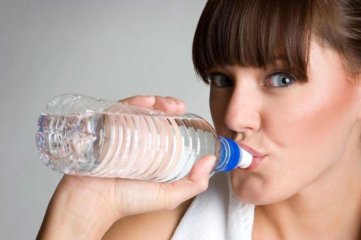 Ich gebe zu, ich hab auch mal zu wenig getrunken... nicht gut. Nierensteine! Deshalb hier ein Artikel über wichtiges richtiges Trinken - Wasser vor allem (nicht so ein Zuckerzeug).    Achso: Ein Gewinnspiel dazu gibt's auch: 1. Ein Acer-Tablet für 500 Euro und 5 x 50 Euro Zalando-Gutscheine! Also: Wasser marsch!