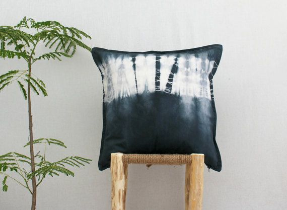 WANDERER . tie dye cushion cover . pillow . throw cushion .