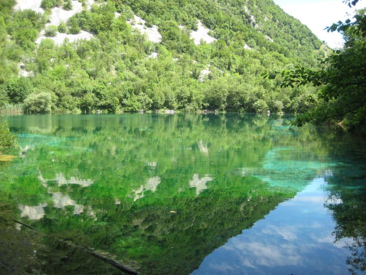 Riflessi sulle acque del lago di Cornino